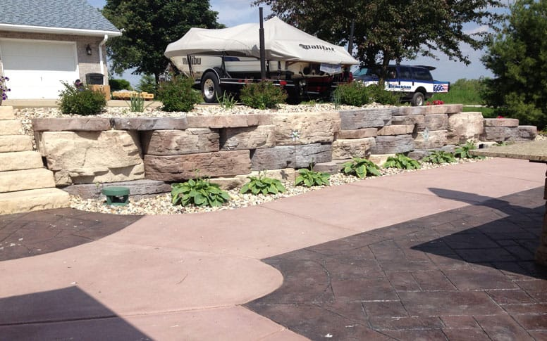Retaining wall by Brinkmann Construction3-068_776